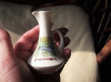 COLLECTABLE VINTAGE CRESTED WARE MINI JUG QUEEN OF THE WEST DEVON MAP 407990